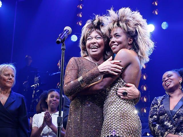 Tina: The Tina Turner Musical จะทำให้คุณประหลาดใจด้วยความลึกและย้ายคุณไปกับเพลง