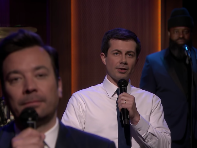 """<a href=""""https://news.avclub.com/pete-buttigieg-takes-a-page-from-obama-by-slow-jamming-1834753995"""" data-id="""""""" onClick=""""window.ga('send', 'event', 'Permalink page click', 'Permalink page click - post header', 'standard');"""">Pete Buttigieg takes a page from Obama by slow jamming the news</a>"""