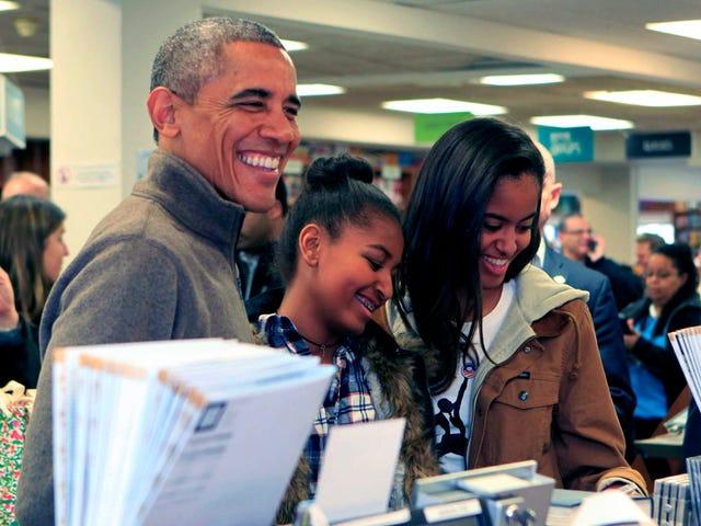 Her er hvad den sidste amerikanske præsident, der læser en bog, læser denne sommer