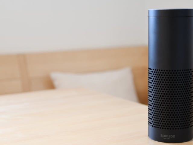 Evite que Amazon escuche en sus conversaciones de Alexa