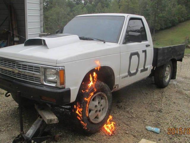 Người bán Craigslist biết những gì họ có, một chiếc xe tải không bốc cháy (Anymore)