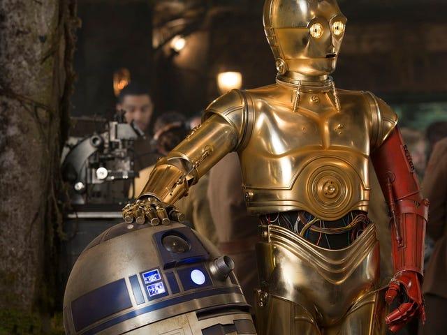 La verdadera razón de por qué el brazo de C-3PO era rojo en <i>Star Wars: The Force Awakens</i>
