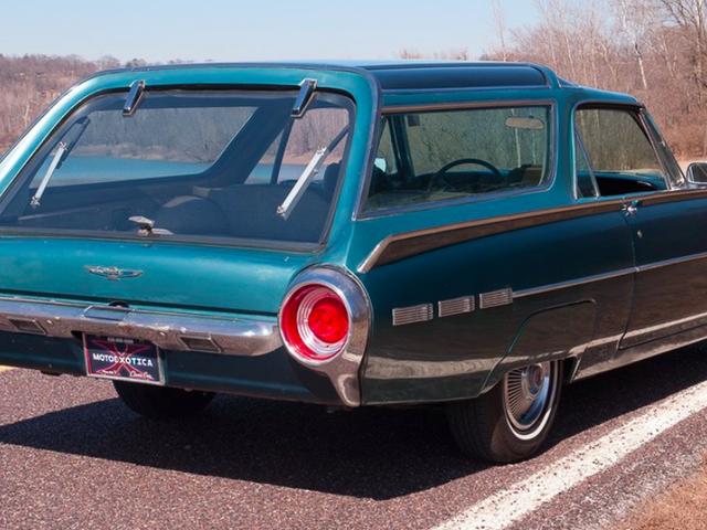 Pasadyang Ford Thunderbird Nagpapatunay ng Mga Kotse Mas Tumingin Sa Isang Oldsmobile Vista-Cruiser Roof