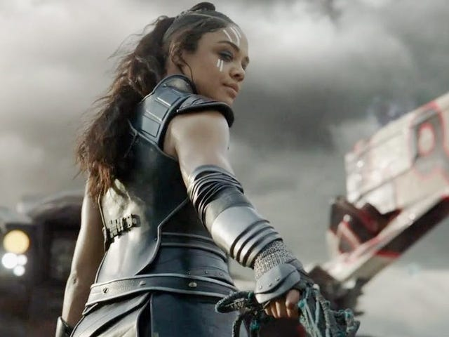 The World Is Poorer For Not Having Witnessed Thor: Ragnarok's Valkyrie Wield These Badass Weapons
