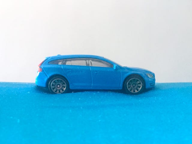 LaLD Car Week 2018 - Blue as a V60 (in Rebel Blue) can be