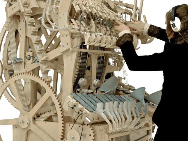 Este alucinante instrumento musical funciona con 2.000 canicas y enormes dosis de talento