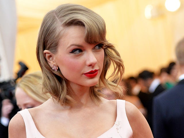 Does Taylor Swift Have An Evil Twin She's Been Hiding in Japan?