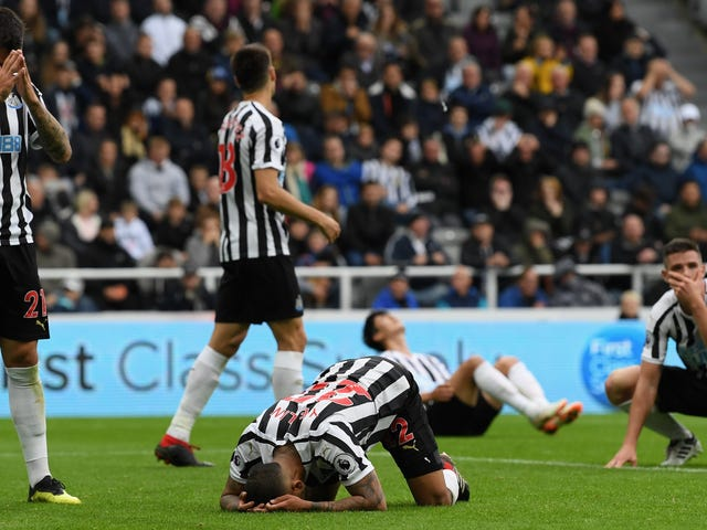 DeAndre Yedlin Assists On Newcastle Equalizer (Yay), Scores Chelsea Game-Winner (Oof)