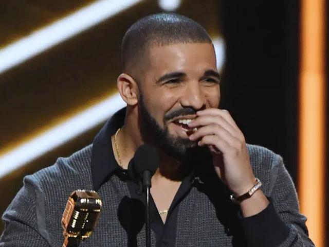 Hit Drake on Da Berry