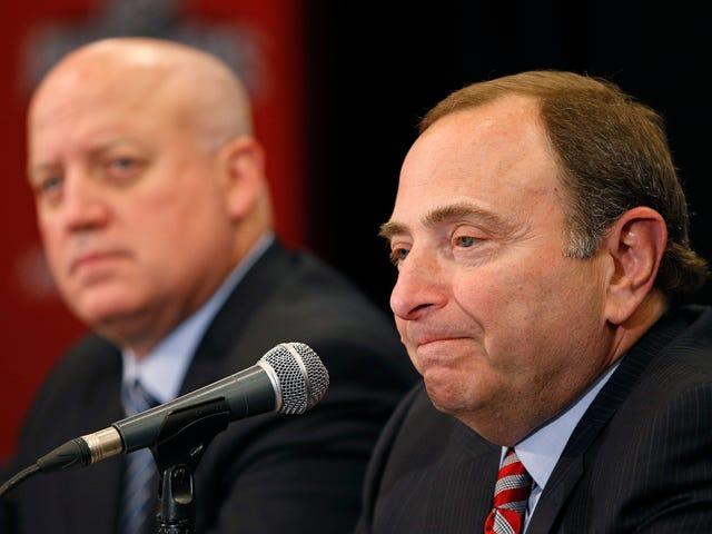 Unsealed NHL Emails Vis Gary Bettman Diskutere Virkningerne af Fighting og Hjertefødsler