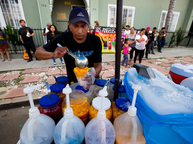 City of Los Angeles Looks to Fully Decriminalize Street Vending as a Means of Protecting Undocumented Immigrants From Immigration Agents