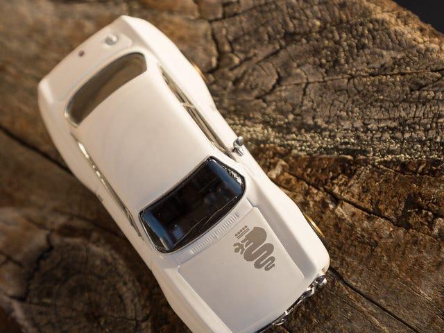 WHITE. Alfa Romeo 1750 GT Am.