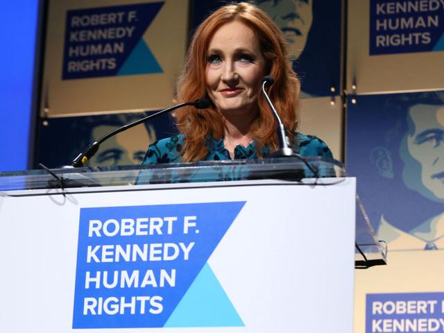 Tweets Rowling Tweets Hỗ trợ cho nhà nghiên cứu bị từ chối vì Bigotry Transphobic