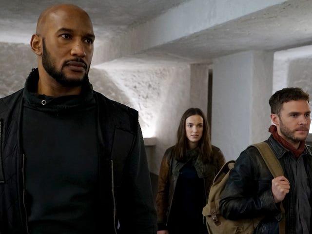 Agents Of SHIELD se précipite en essayant de remonter le chemin