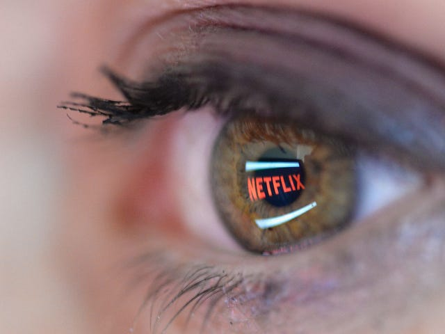 Senators Want to 'Explore' Injecting Emergency Alerts Into Netflix and Spotify