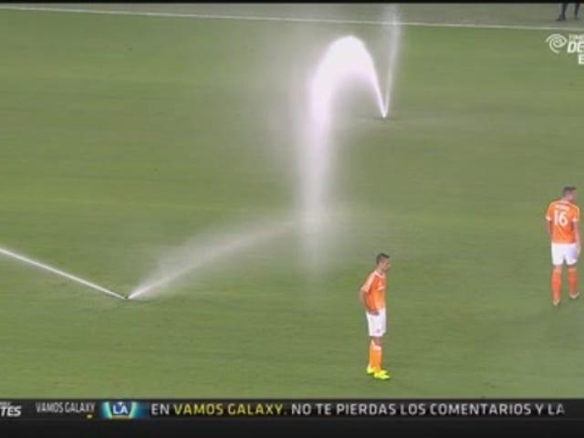 MLS मैच का छिड़काव स्प्रिंकलर द्वारा, फिर से