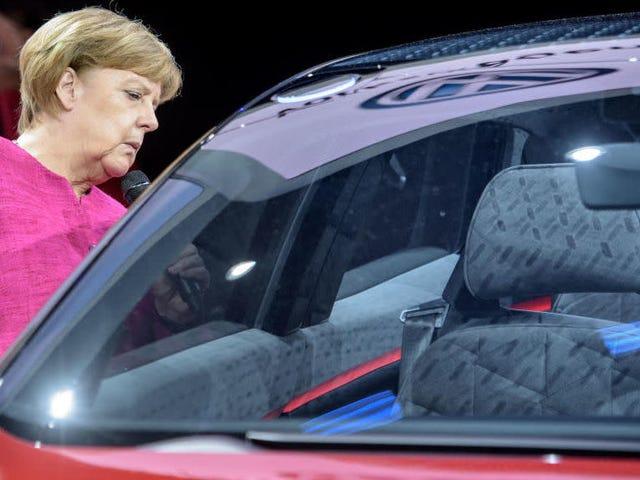 El Salón del Automóvil de Frankfurt refuerza la seguridad después de las amenazas del grupo ambientalista 'Rocks In The Gearbox'