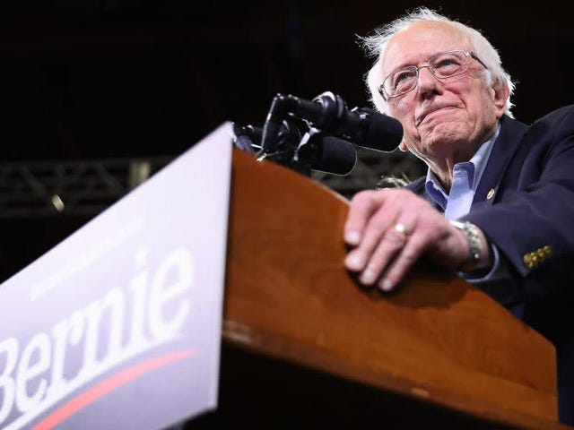 Sanders Releases Reproductive Justice Plan, Calls for Legislative Codification of Roe v. Wade