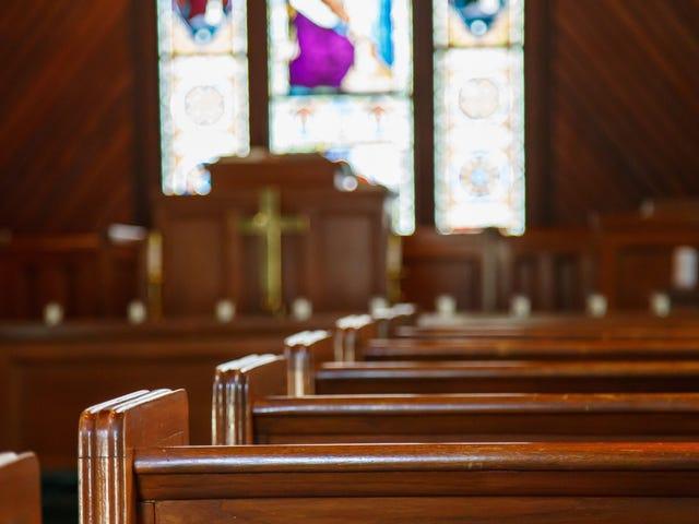 Pastori kohtaa iankaikkisen vahingon (ja 10 vuotta vankilassa) 35 000 dollarin varastamisesta kirkosta