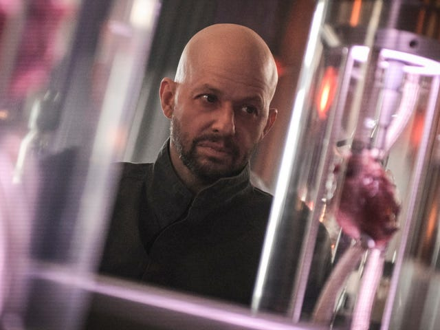 Jon Cryer's Lex Luthor makes his Supergirl debut in an overstuffed episode