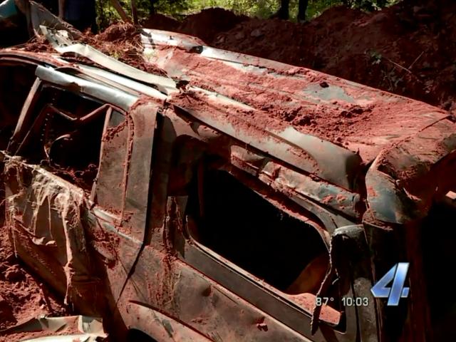Oklahomans découvre le Trailblazer enterré de Chevy tout en construisant Dirt Bike Jump