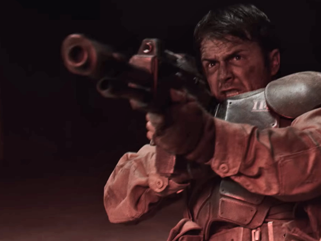 A Soldier's Grim Day Gets Slightly Less Miserable in an Excellent Warhammer 40KShort