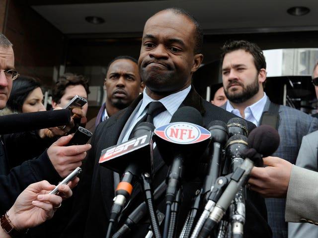 Αισθάνεται σαν τα μέλη του NFLPA Railroaded να ψηφίζουν για συμφωνία που τους βάζει απευθείας στα ίχνη