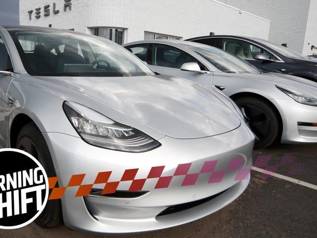 Ang Tesla Model 3 Ay Nakakakuha ng Pindutin