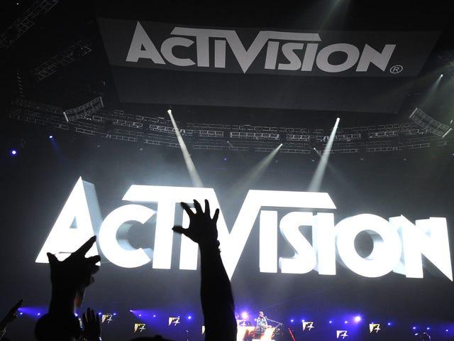 Activision Blizzard đuổi hàng trăm nhân viên