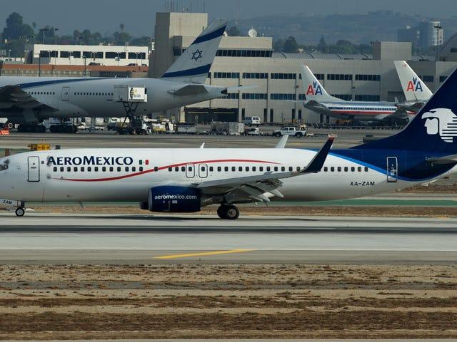 Tarde que temprano tenía que suceder... dron impacta a Boeing 737 en fase de aterrizaje