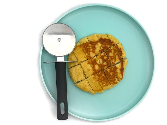 Cut Your Toddlers' Food With a Pizza Cutter