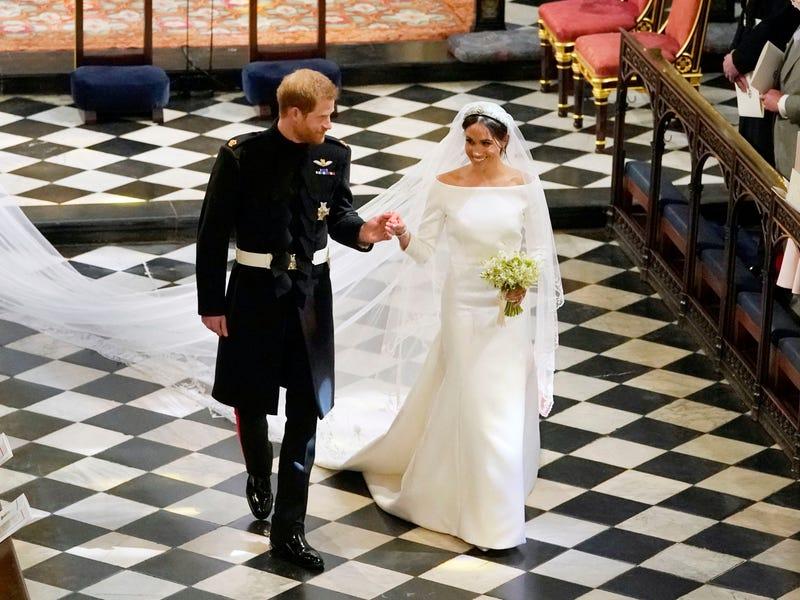 b11547511177 Royal Shade  Var Meghan Markles brudekjole en knockoff