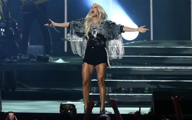 Jesus Take the Wheel: a Carrie Underwood è piaciuto un brutto tweet anti-maschera!