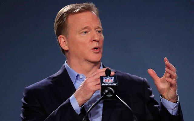 NFL ostrzega, że niezaszczepieni gracze będą mieli konsekwencje w związku z oskarżeniami o przemoc domową