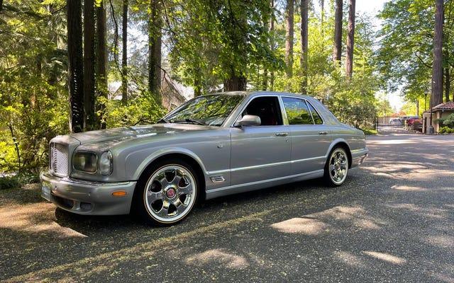 À 21 000 $, cette Bentley Arnage 2001 vaut-elle son pesant de poupon gris?