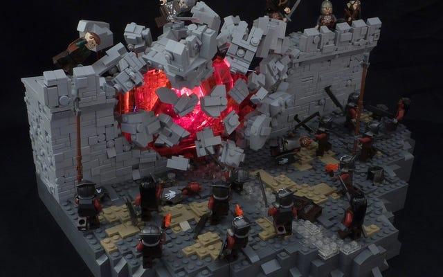 Un fantástico diorama de Lego captura Helms Deep Mid-Explosion