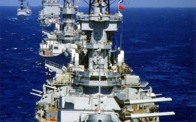 Croiseurs nucléaires et cuirassés: découvrez cette photo de la marine de l'ère Reagan