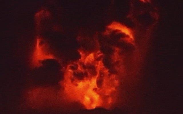 Şu An Şili'de Kesinlikle Büyük Bir Volkan Patlıyor