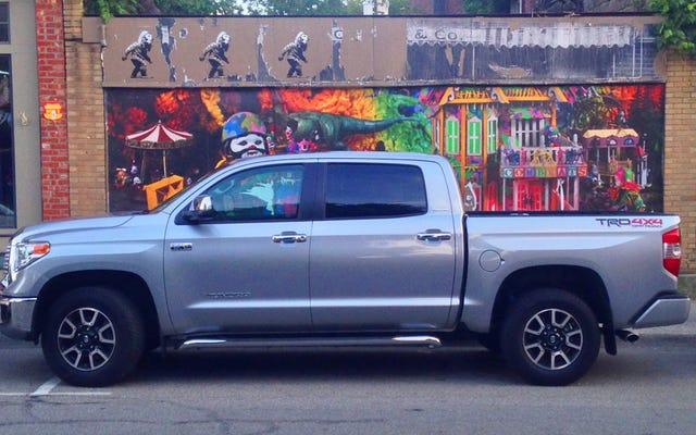 La vieja Toyota Tundra 2014 todavía tiene algo que ofrecer