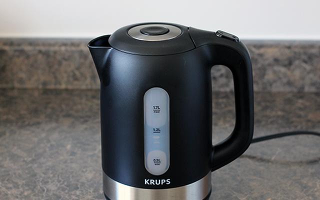 Nettoyez votre bouilloire électrique avec de la poudre d'acide citrique