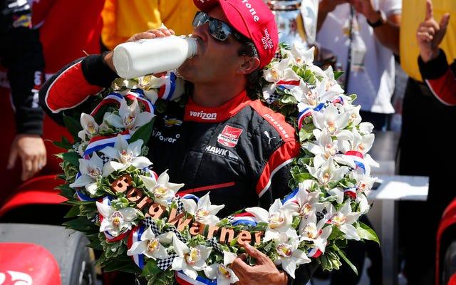 モントーヤは後ろからドライブしてインディ500の4ウェイバトルに勝ちました