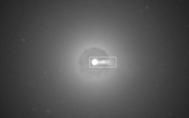 ブラックホールから放出された物質の衝突を初めて捉える