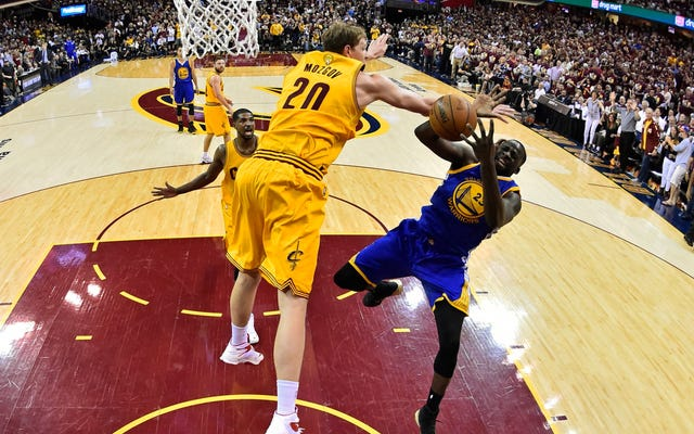 Draymond Green tue les guerriers