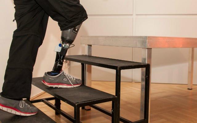 यहां पहला कृत्रिम पैर है जो महसूस कर सकता है