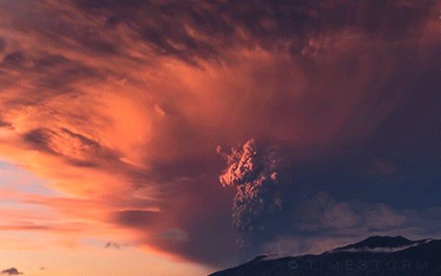 Великолепные кадры извержения вулкана в формате 4k