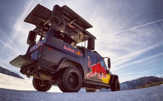 Red Bull hat eine neue Flotte von total extremen Party Trucks Bro