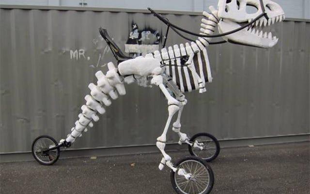 乗りやすいT-Rexスケルトン三輪車は私のジュラ紀の夢がすべて叶う