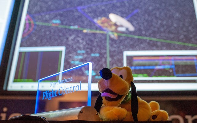 生きてる!!!冥王星フライバイ後のニューホライズンズの電話ホーム