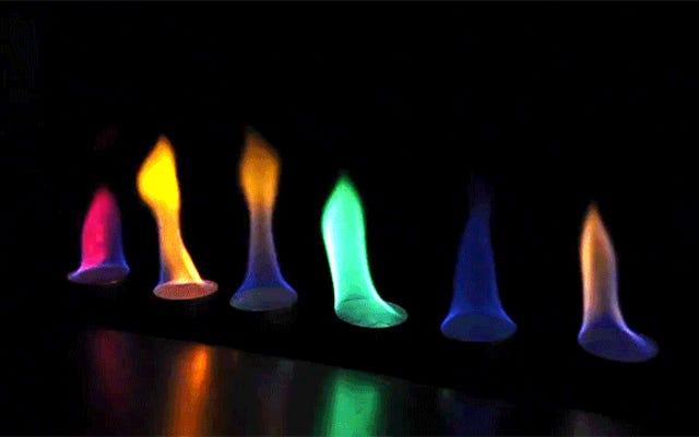 DIYの虹色の火炎放射器で愛と破壊を広める