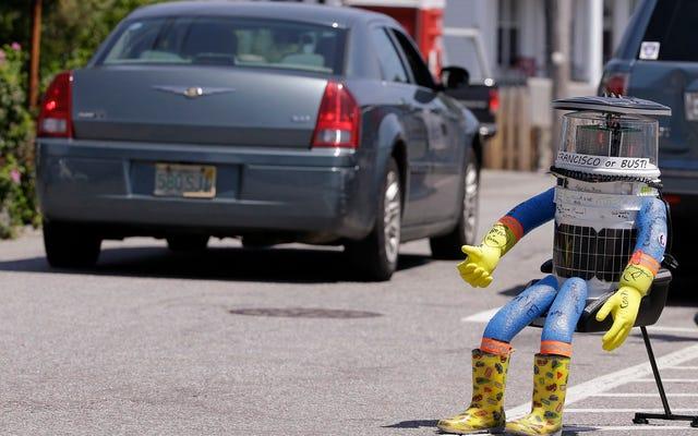 Le robot auto-stop ne dure que deux semaines aux États-Unis parce que les humains sont terribles